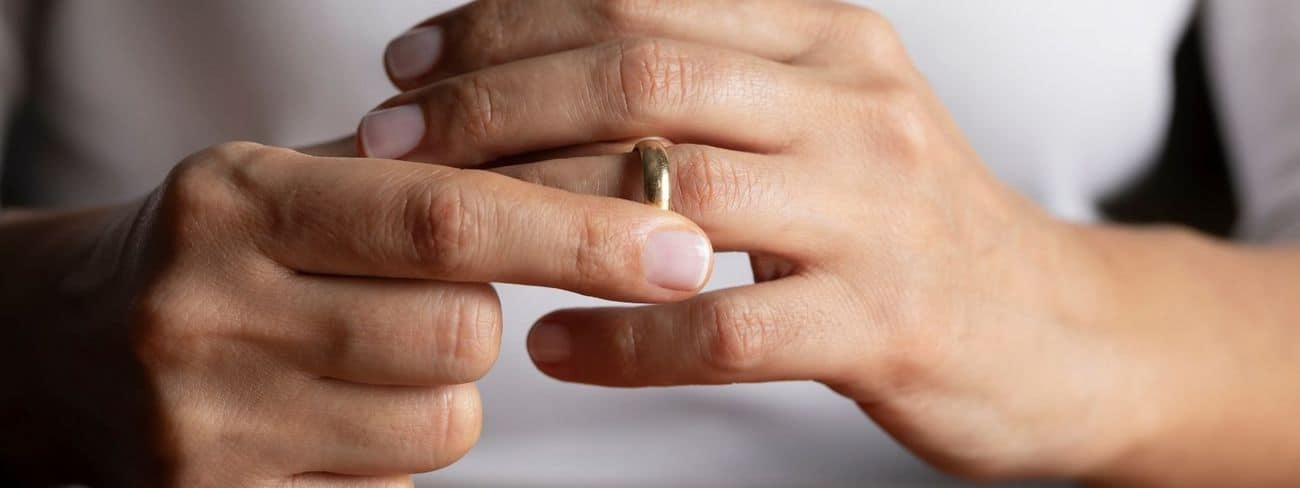 Read more about the article Are divorce agreements created through mediation legally binding?- Just Divorce Family Mediation